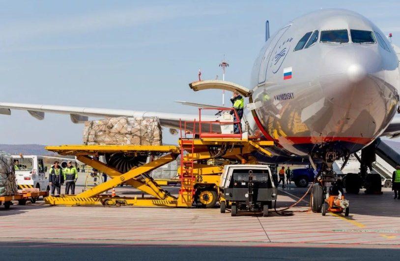 Авиаперевозки: преимущества и недостатки.